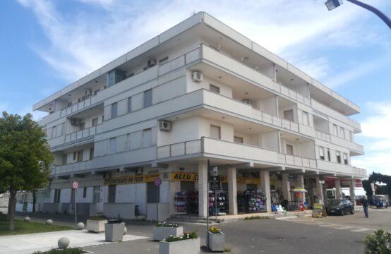 Appartamento in piazza in vendita a Torre dell'Orso