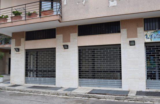 Locale commerciale di 120 mq in vendita a Calimera