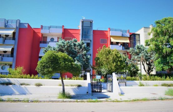 Appartamento con ampi balconi in vendita a Martano
