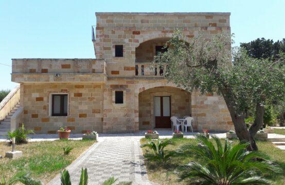 Villa indipendente con giardino a Torre dell'Orso
