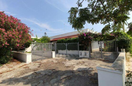 Villa in vendita a Torre dell'Orso 1