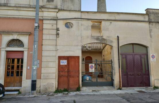 Cantina e deposito in centro in vendita a Martano