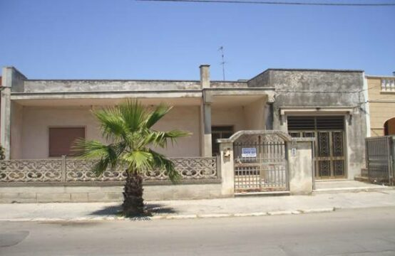 Villa indipendente con giardino in vendita a martano