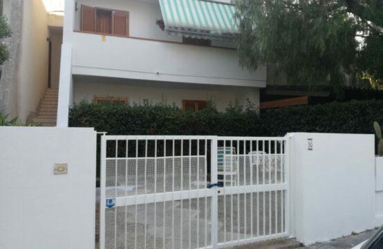 Trilocale piano primo in vendita a Torre Saracena