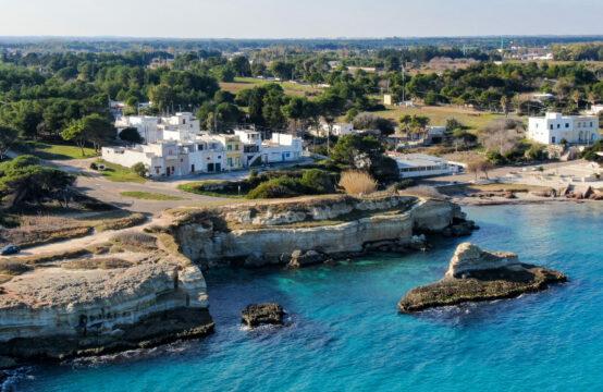 Villa vista mare in vendita a Torre Sant'Andrea