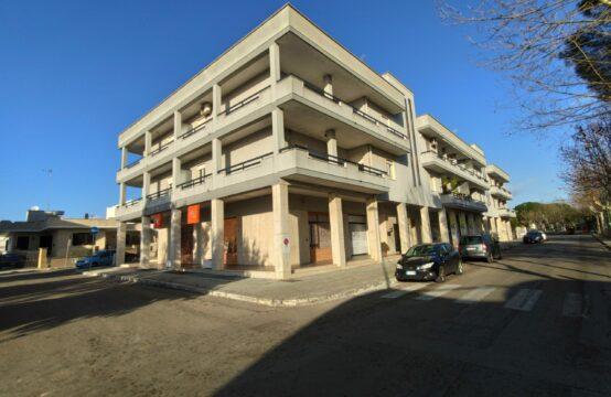 Appartamento con box in vendita a Martano