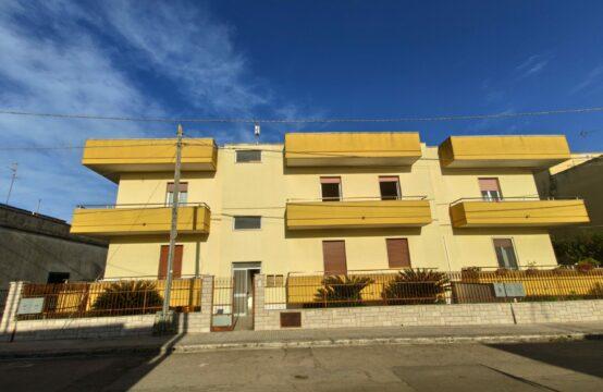 Appartamento con garage in vendita a Martano