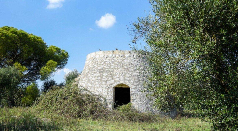 acquistare un terreno con pajara a Martano, Calimera, Carpignano Salentino