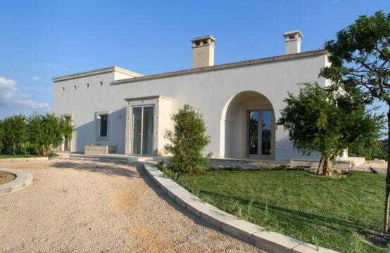 Esclusiva villa con piscina in vendita a Cutrofiano