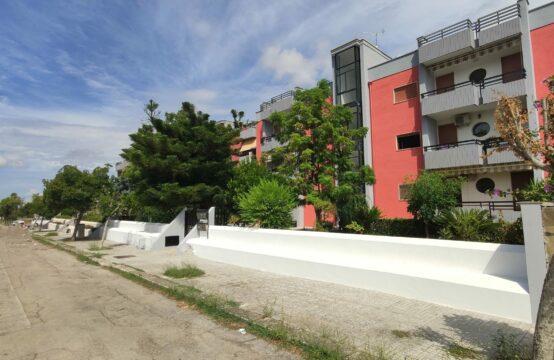 Appartamento con box auto in vendita a Martano