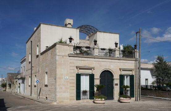 Elegante palazzo storico in vendita vicino Otranto
