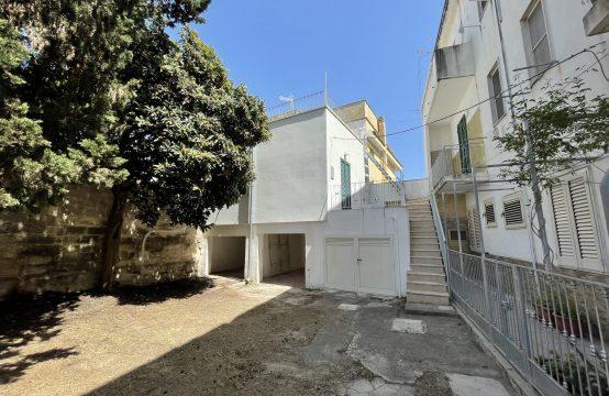 Bilocale con terrazzo in vendita a Torre dell'Orso